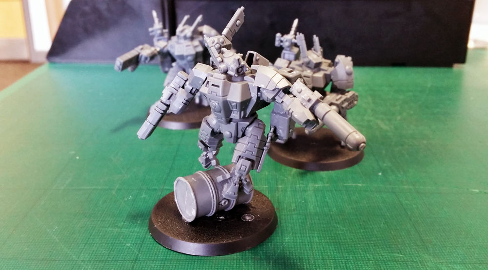 Deathhammer40k Warhammer 40,000 Commission Painted Tau Empire Farsight Enclave Project Crisis Battlesuits 2
