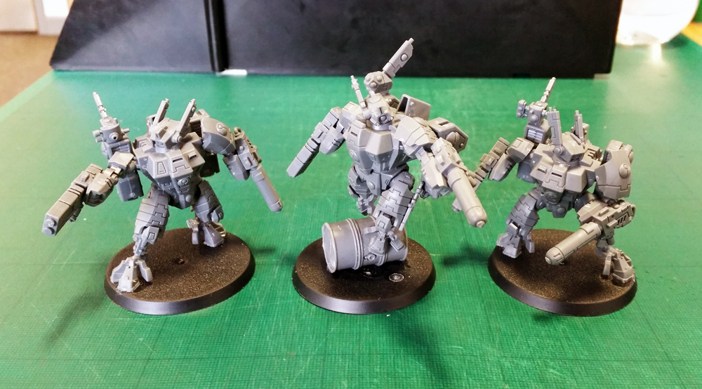 Deathhammer40k Warhammer 40,000 Commission Painted Tau Empire Farsight Enclave Project Crisis Battlesuits
