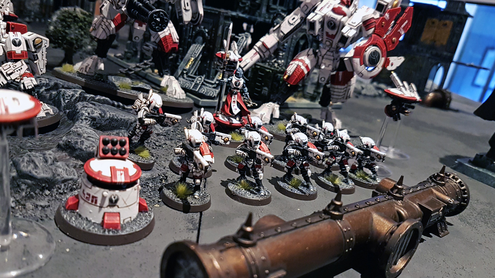 Deathhammer40k Warhammer 40,000 Commission Painted and Built Wargaming Miniatures Luke Barker Tau Empire Project